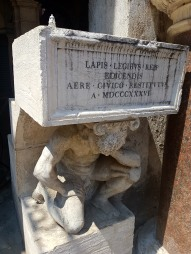 This is a statue of Il Gobbo di Rialto (The Goblin of Rialto.) This is where Venetian laws used to be read to citizens.
